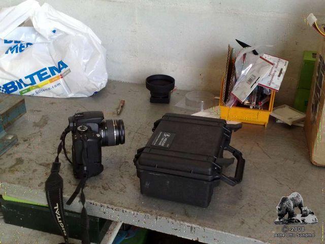 Canon 350D + Pelican case
